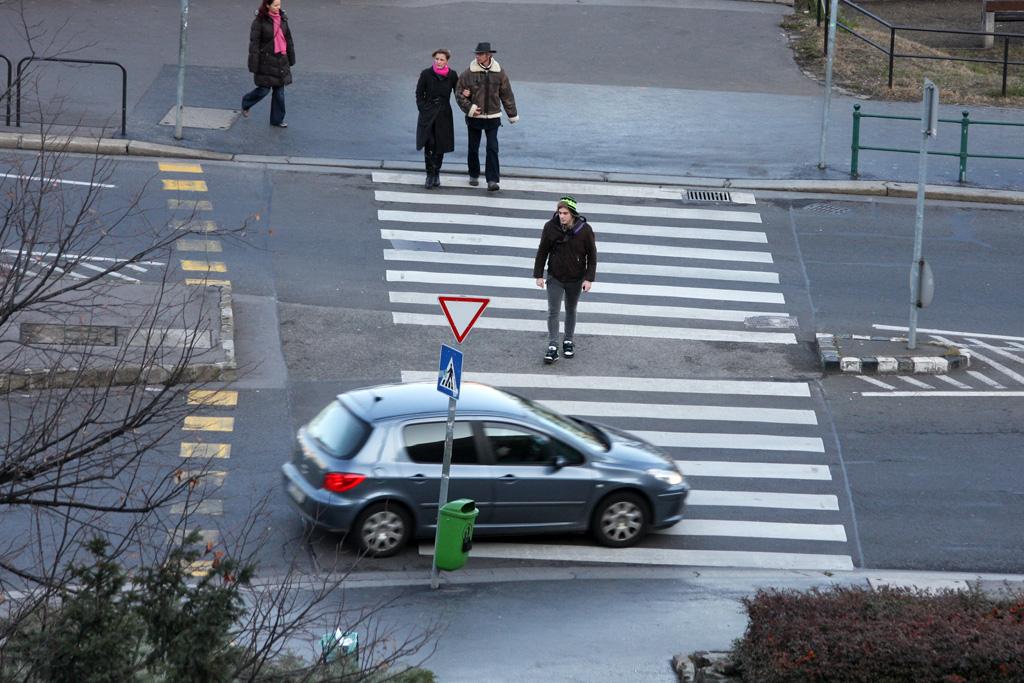 Teszünk a szabályokra: a gyalogos is ember? - Autónavigátor.hu