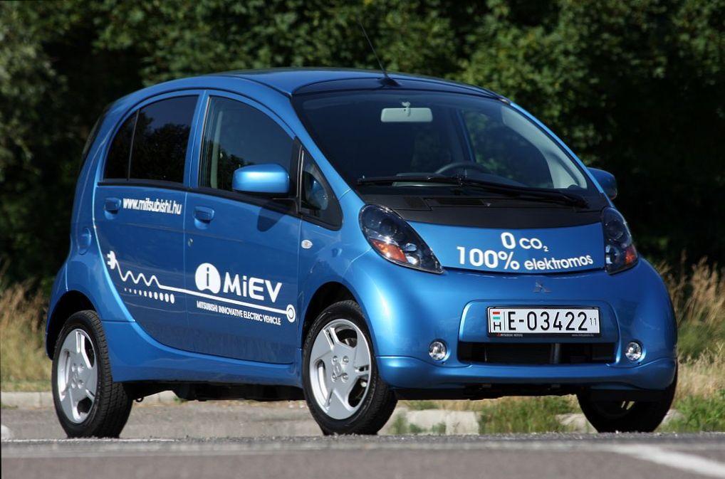 Mennyi elektromos autó lesz itthon a közeljövőben  – Autónavigátor.hu fc3e446c57