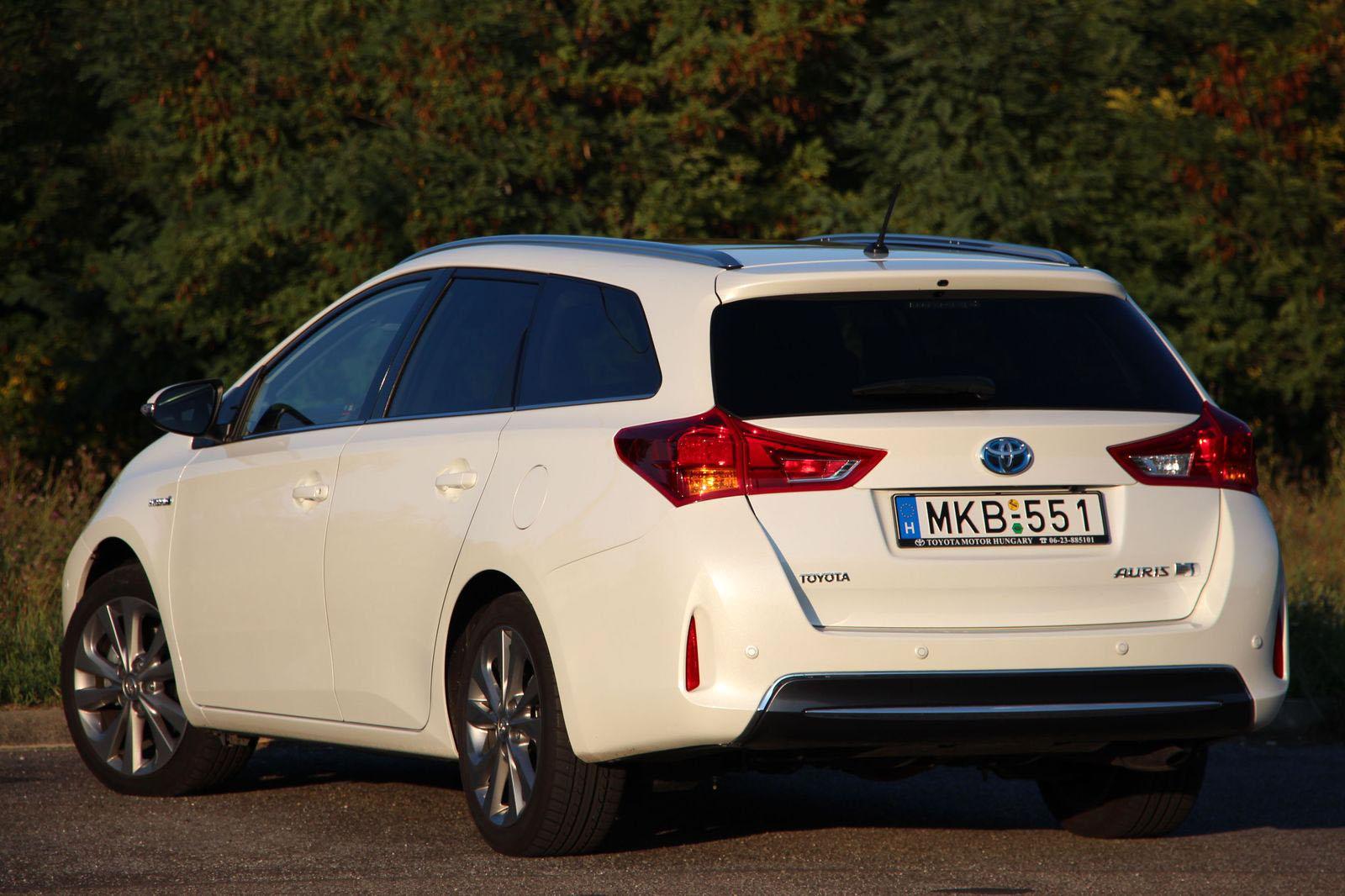 Fehér autó vélemény