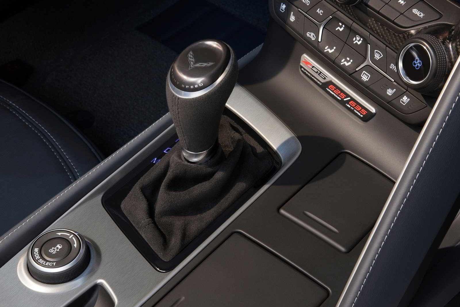 A turbo 350 sebességváltó csatlakozik