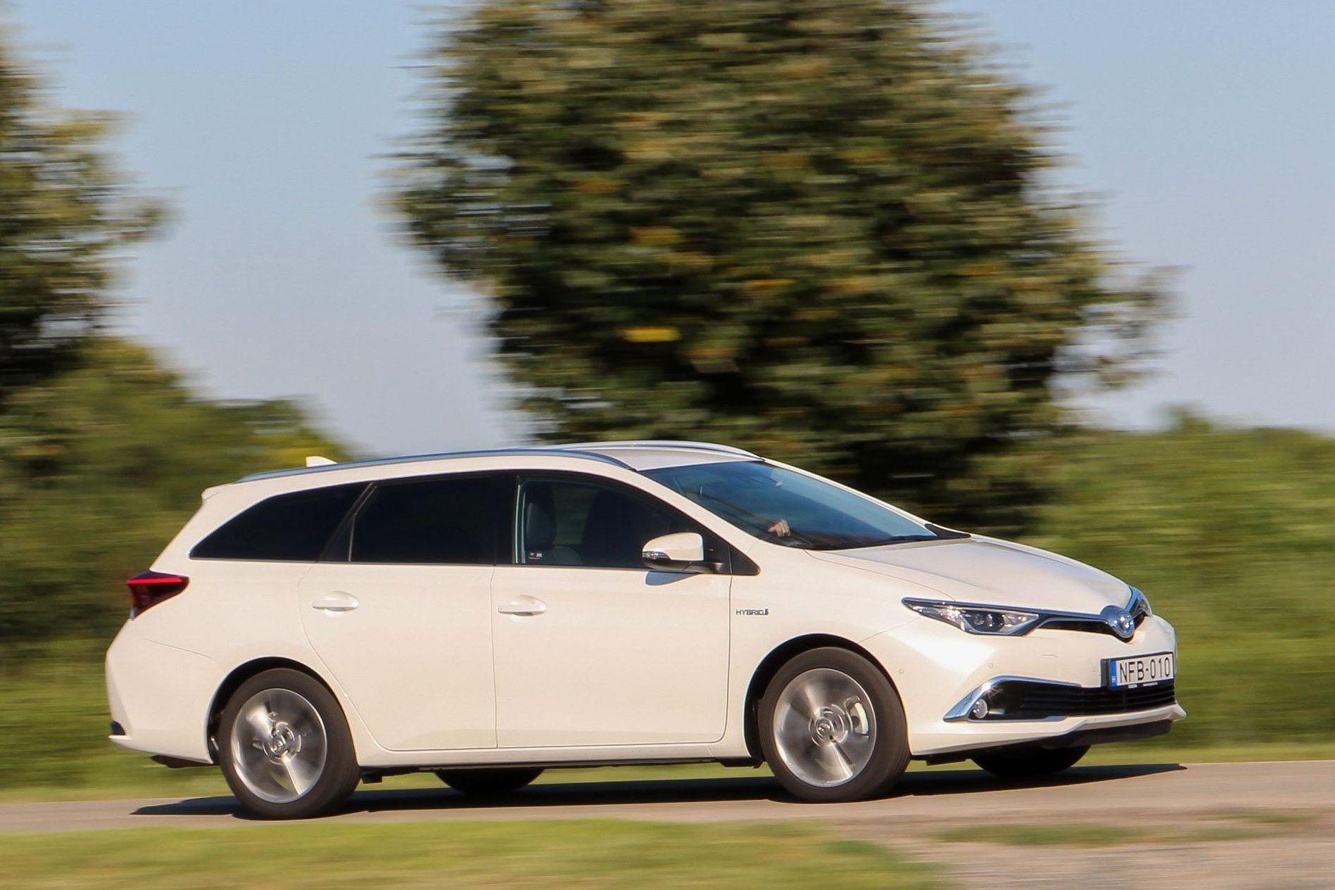 Csendesebb Lett Toyota Auris Ts Hybrid Teszt Autonavigator Hu
