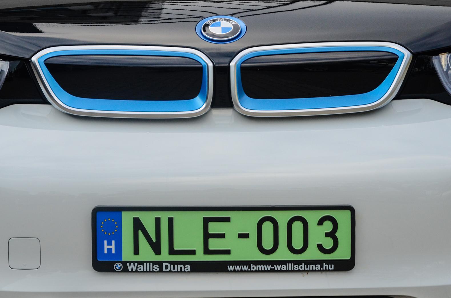 Ingyen parkolhatnak egy-két városban a zöld rendszámos villanyautók 5a52bbc54d
