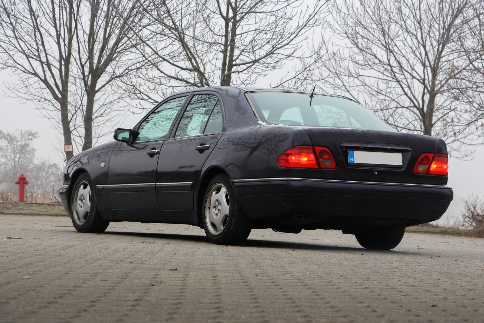Öthengeres pápaszemes – Mercedes E 290 TD – Autónavigátor hu