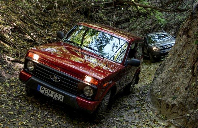 A legmenőbb Lada és Dacia találkoztak az erdőben…