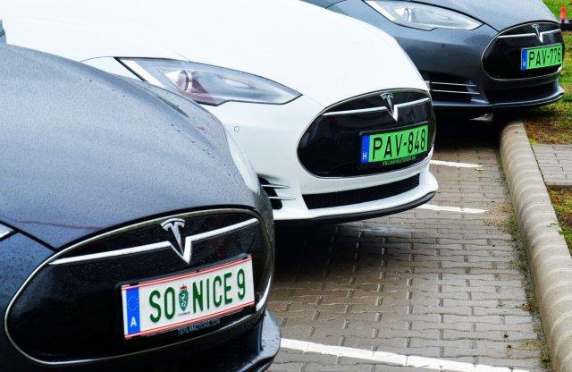 Önvezető autókkal végeztek rekordkísérletet hazánkban