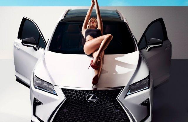 Vajon mely vevőkör szívéhez áll legközelebb a Lexus RX?
