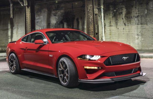 Bezöldül az új Mustang? Jöhet a hibrid, összkerekes!