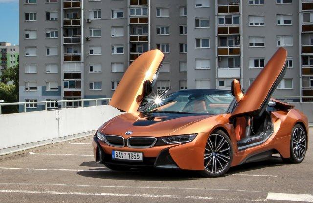 Ezzel sztár lehetsz – BMW i8 Roadster