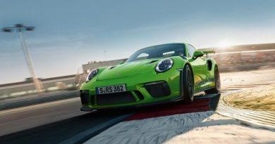Szellemautók a Porsche modellek szélvédőin