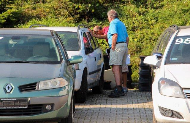 A kutyának sem kellettek a rendőr Astrák – árverésen jártunk