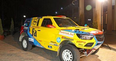 Új Opel versenyautóval indul a Szalay-Bunkoczi páros a Dakaron