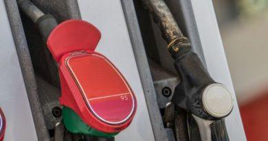 Boldogság a kutakon, apadnak az üzemanyagárak!