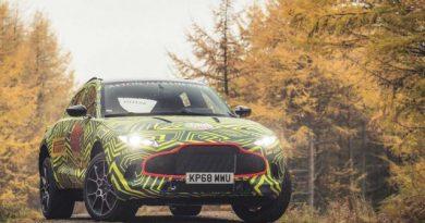 Célegyenesben az Aston Martin terepjárója 4f9d372954