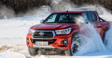 Platós fényűzés – Toyota Hilux teszt
