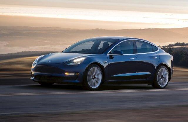 Tesla márkakereskedést nyitnak Budapesten is