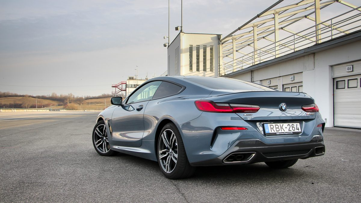 BMW 8-AS SOROZAT