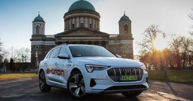 Beleszeretsz tőle a villanyautózásba – Audi e-tron menetpróba