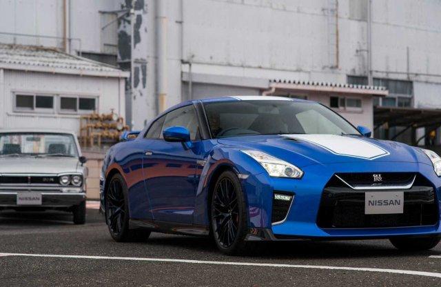 Ragyogó fényezéssel ünnepel a Nissan GT-R