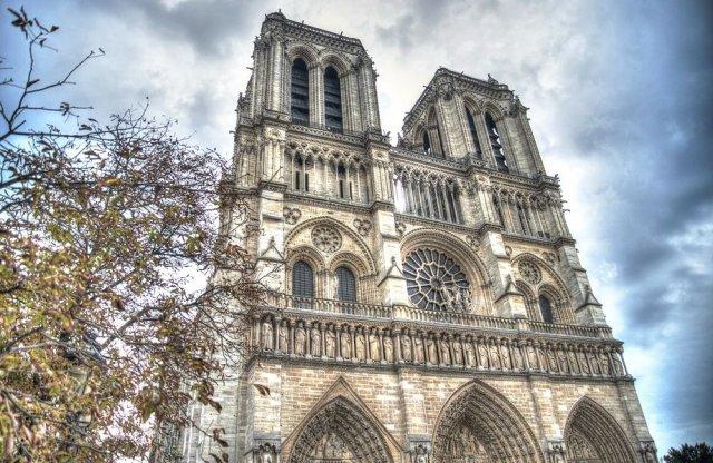 Autóipari cégek is beszállnak a Notre Dame megmentésébe