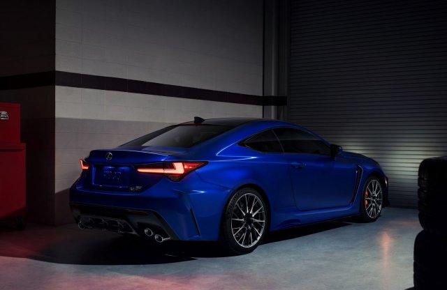 V8-as motorral a csillagok közé – a Lexus megcsinálta