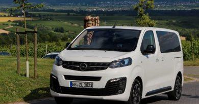 Autópályán és terepen is meghajtottuk a legújabb Opelt
