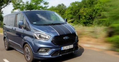 Sportos nagycsaládoknak? Ford Tourneo Custom Sport teszt
