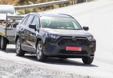 Töltőkábelt kaphat a Toyota RAV4