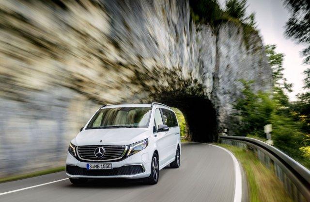 EQV néven debütált a Mercedes-Benz V-osztály elektromos kiadása