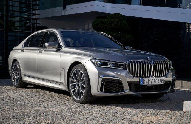 550 lóerős hibrid jöhet a BMW-től
