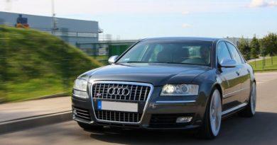 A szállító autója? Audi S8, 2007