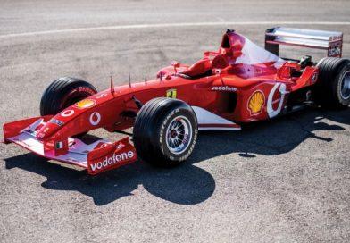Kétmilliárd forintot fizettek Schumacher 2002-es Ferrarijáért