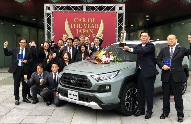 Fölényesen nyerte a Toyota az Év Japán Autója választást