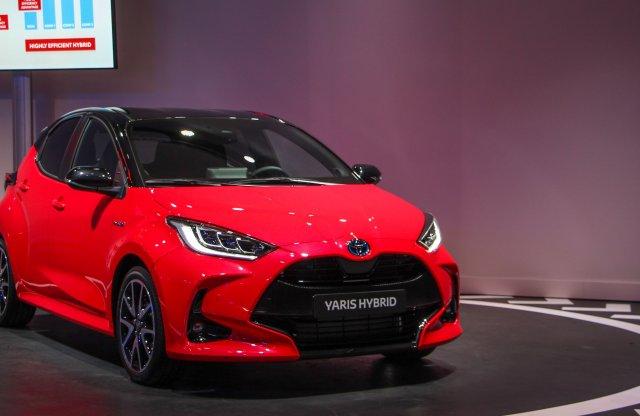 2,9 l/100km fogyasztással jön az új Toyota Yaris
