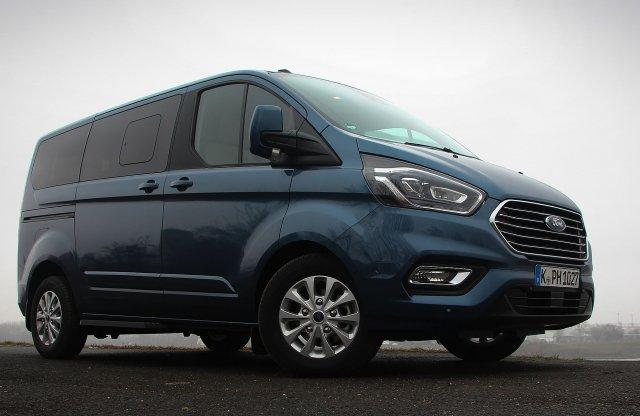 Nem az, aminek látszik – Ford Tourneo Custom PHEV teszt