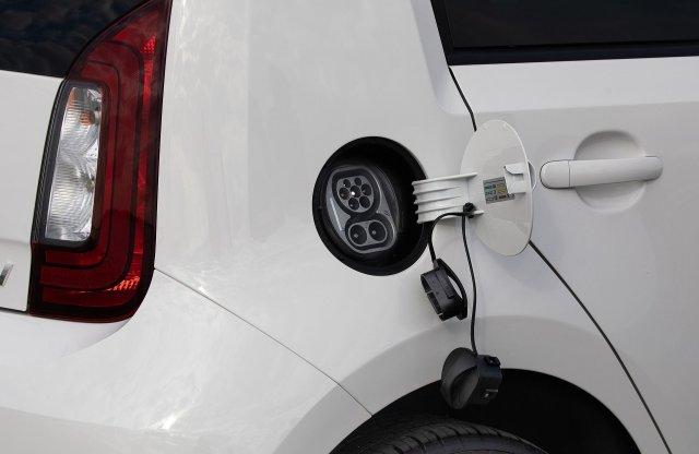 Évértékelő: az olcsó villanyautók terjedését kívánják támogatni