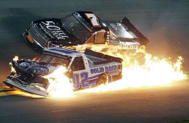 Őrült hétvégével indult a NASCAR szezon, és még nincs vége!
