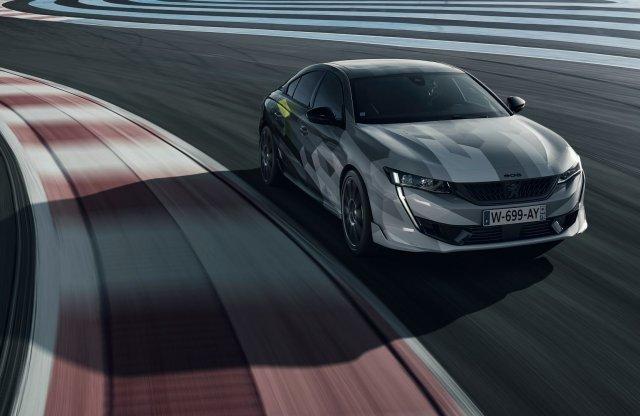 Friss fotókon dönget az új sport Peugeot