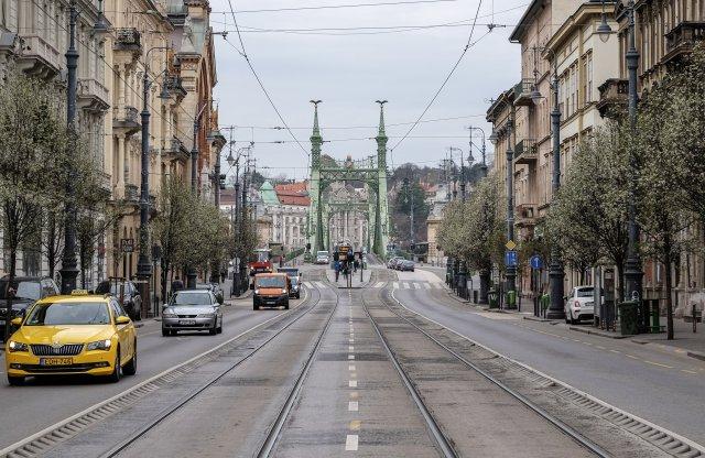 Kisebb a forgalom, tisztább a levegő Budapesten