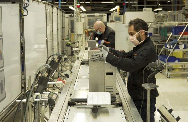 Lélegeztetőgépek gyártásába kezd a SEAT