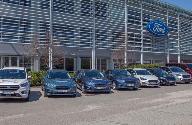 A Ford is autókkal támogatja a hazai segélyszervezeteket