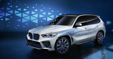 Hidrogén üzemanyagcellás modellekkel bővül a BMW kínálata