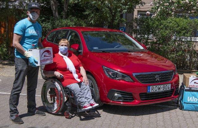 Fogyatékkal élőknek segít a Peugeot