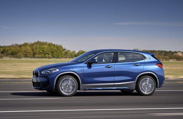 A BMW legkisebb hibridje. Debütált az X2 plug-in hibrid!