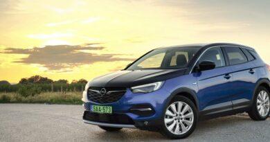 Villanyautónak jobb, mint hibridnek – Opel Grandland X