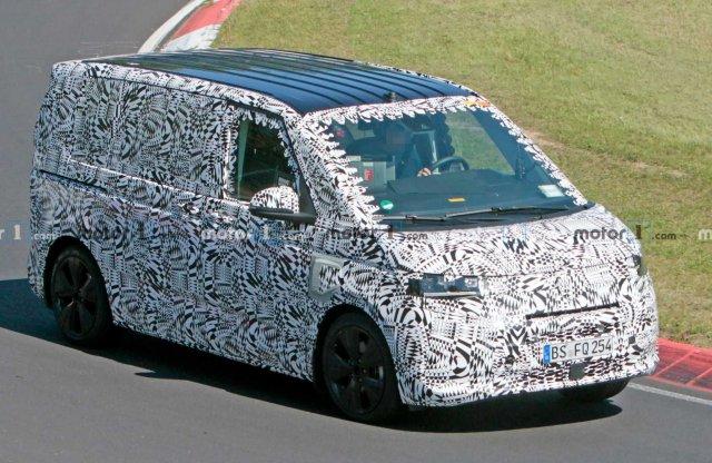 Már a Nürburgringen cikázik az új VW Transporter