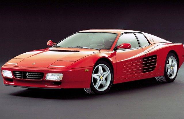 Apró háromhengeressel is kísérletezett a Ferrari