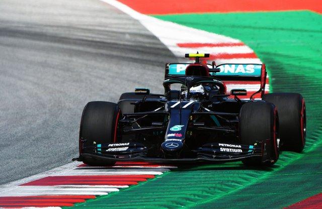 Mercedes győzelemmel indult a csonka F1 szezon