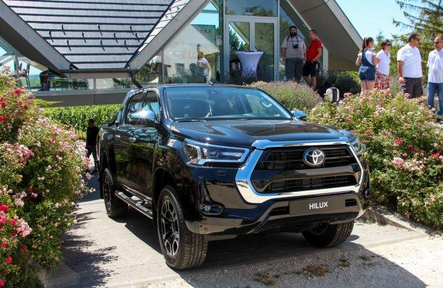 Hazánkba is megérkezett az új Toyota Hilux, megnéztük