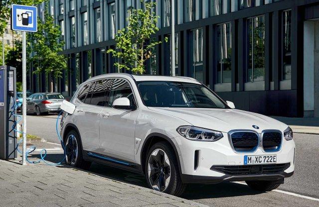 460 kilométerre képes az elektromos BMW X3