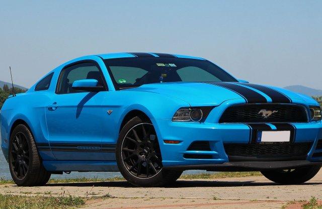 Kék villám – Ford Mustang V6 használtteszt
